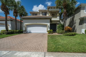 1037  Grove Park Circle  For Sale 10653184, FL