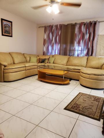 571 Burgundy L, Delray Beach, Florida 33484, 2 Bedrooms Bedrooms, ,2 BathroomsBathrooms,Rental,For Rent,Burgundy L,RX-10653664