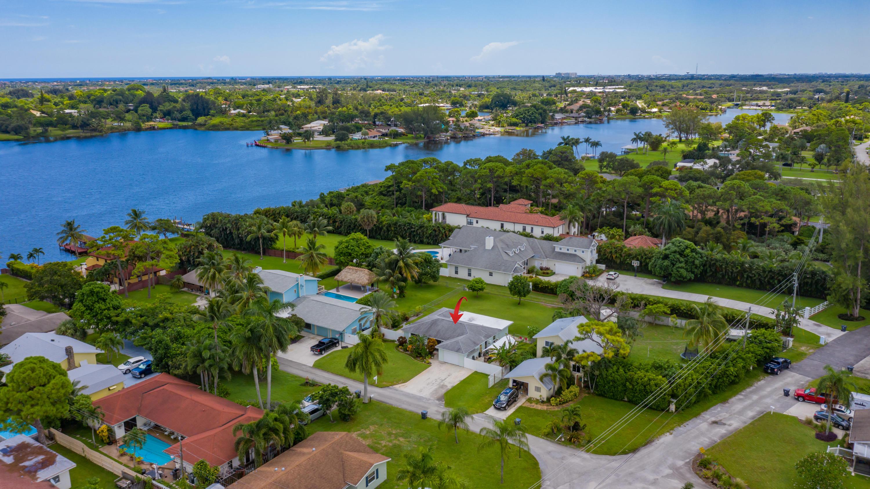 2472 Henrietta Court Lake Worth, FL 33462
