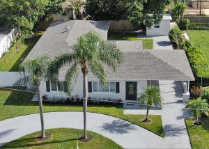 330  Alhambra Place  For Sale 10648770, FL