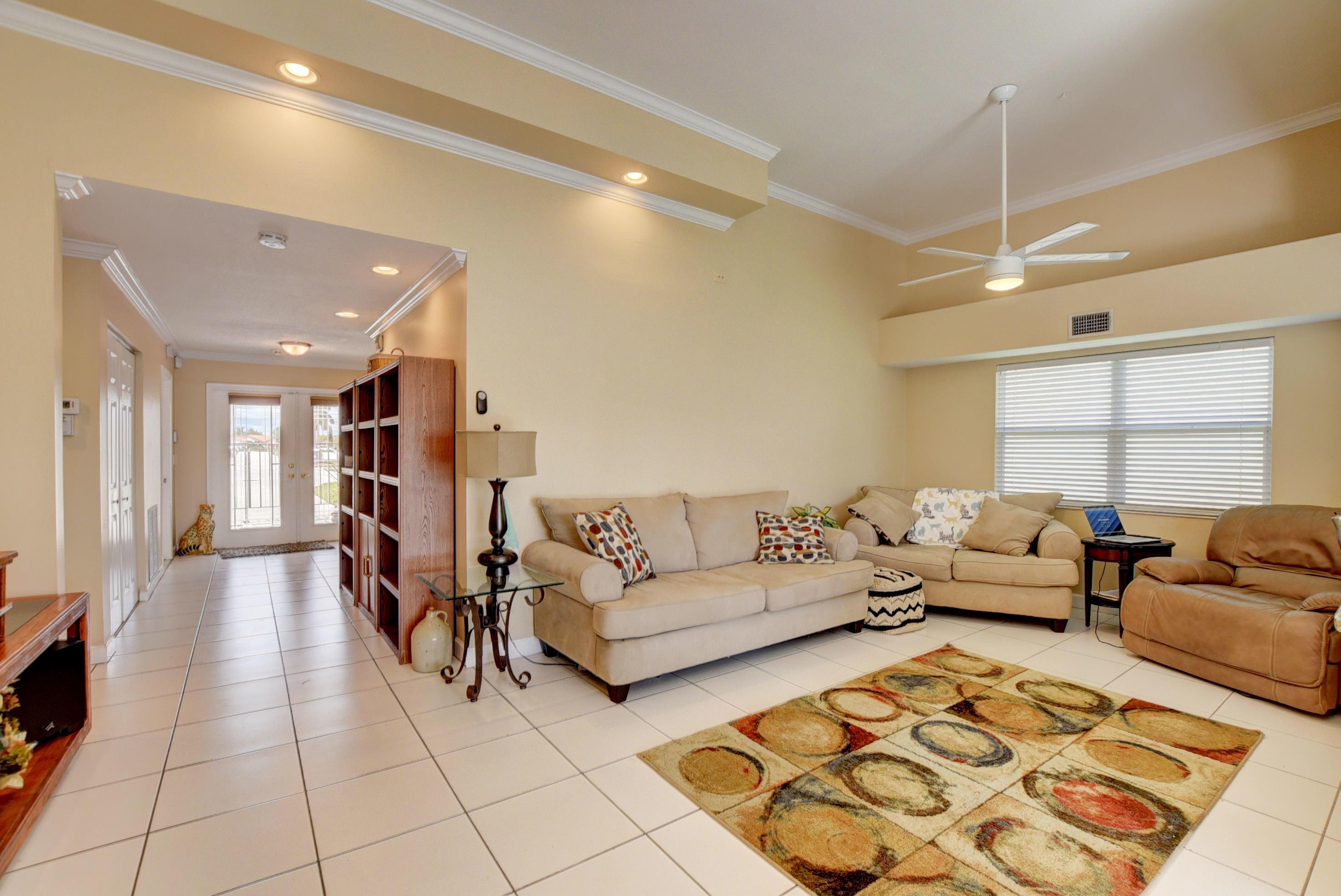 8397 Bonita Isle Drive Lake Worth, FL 33467 photo 6