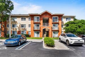 4151 N Haverhill Road 1512 For Sale 10653658, FL