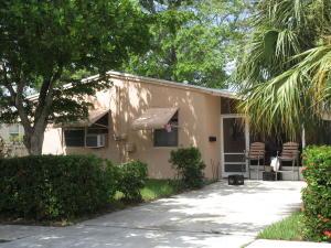 5511  Pinewood Avenue  For Sale 10655455, FL