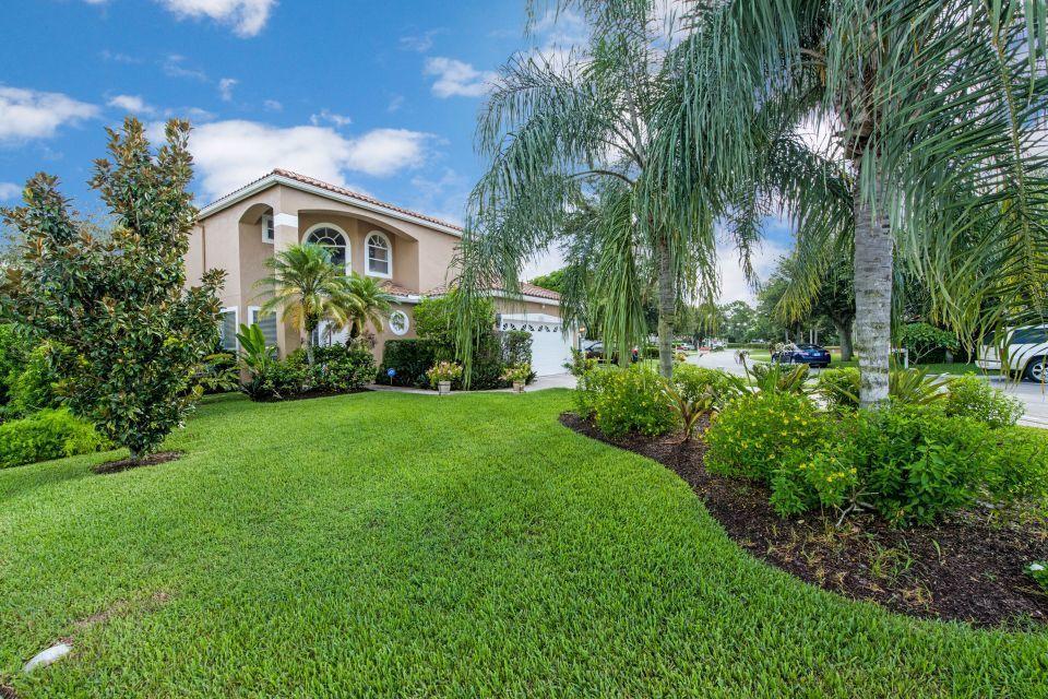 132 Woodlake Circle Greenacres, FL 33463 photo 1