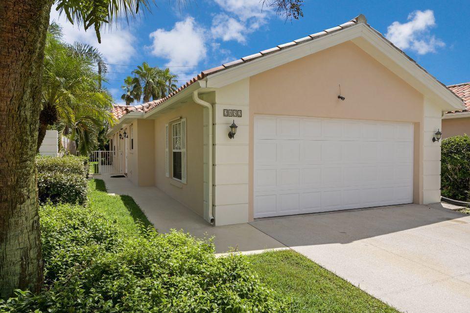 2852 White Trout Lane West Palm Beach, FL 33411 photo 2