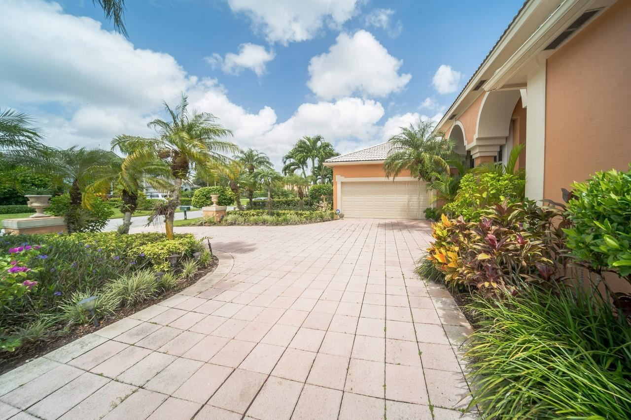 10 Windward Isle Palm Beach Gardens, FL 33418