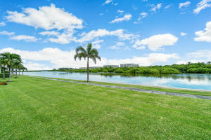2185  Ibis Isle Road 0040 For Sale 10654282, FL