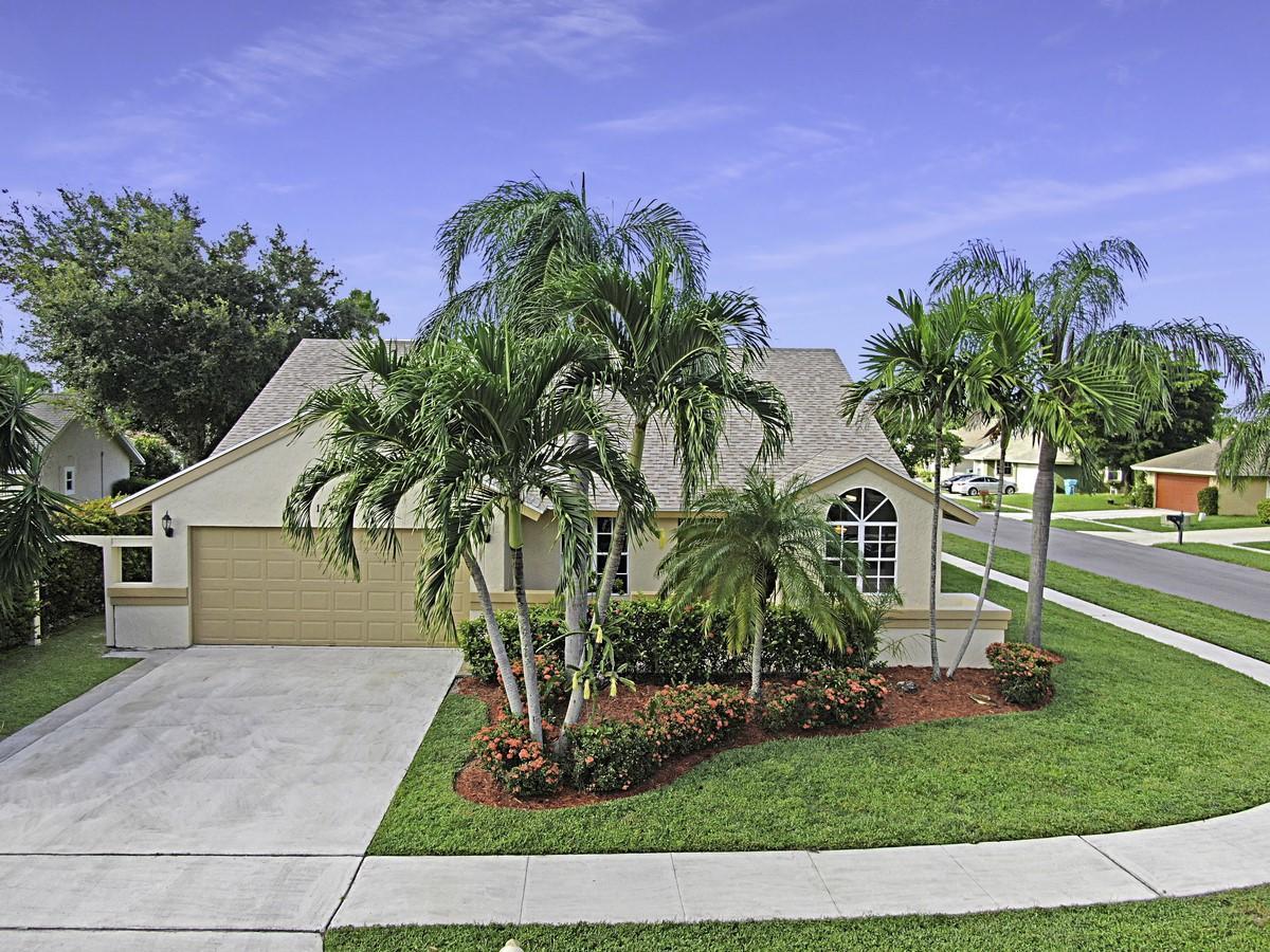 1745 Banyan Creek Court  Boynton Beach, FL 33436