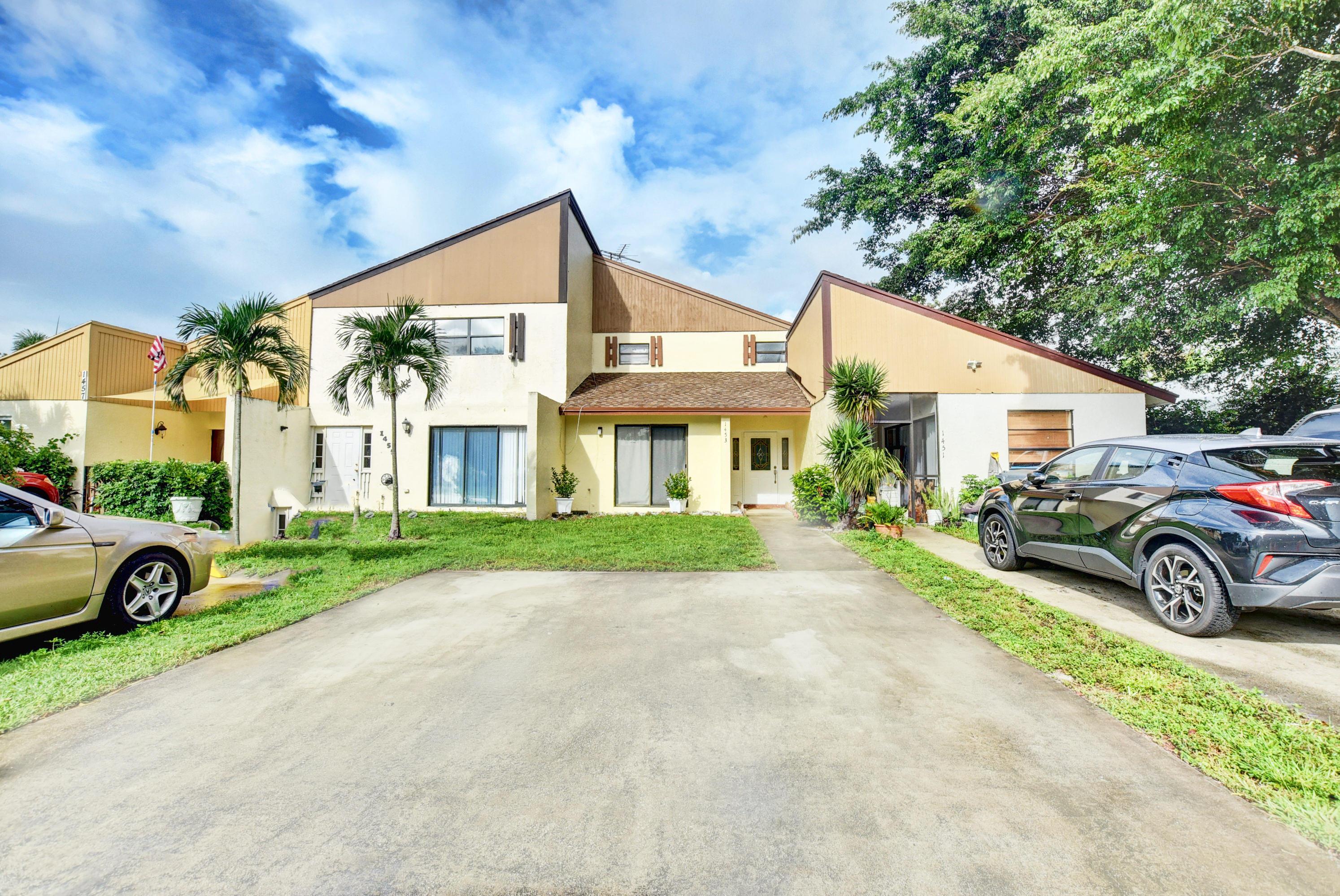 1453 White Pine Drive  Wellington FL 33414