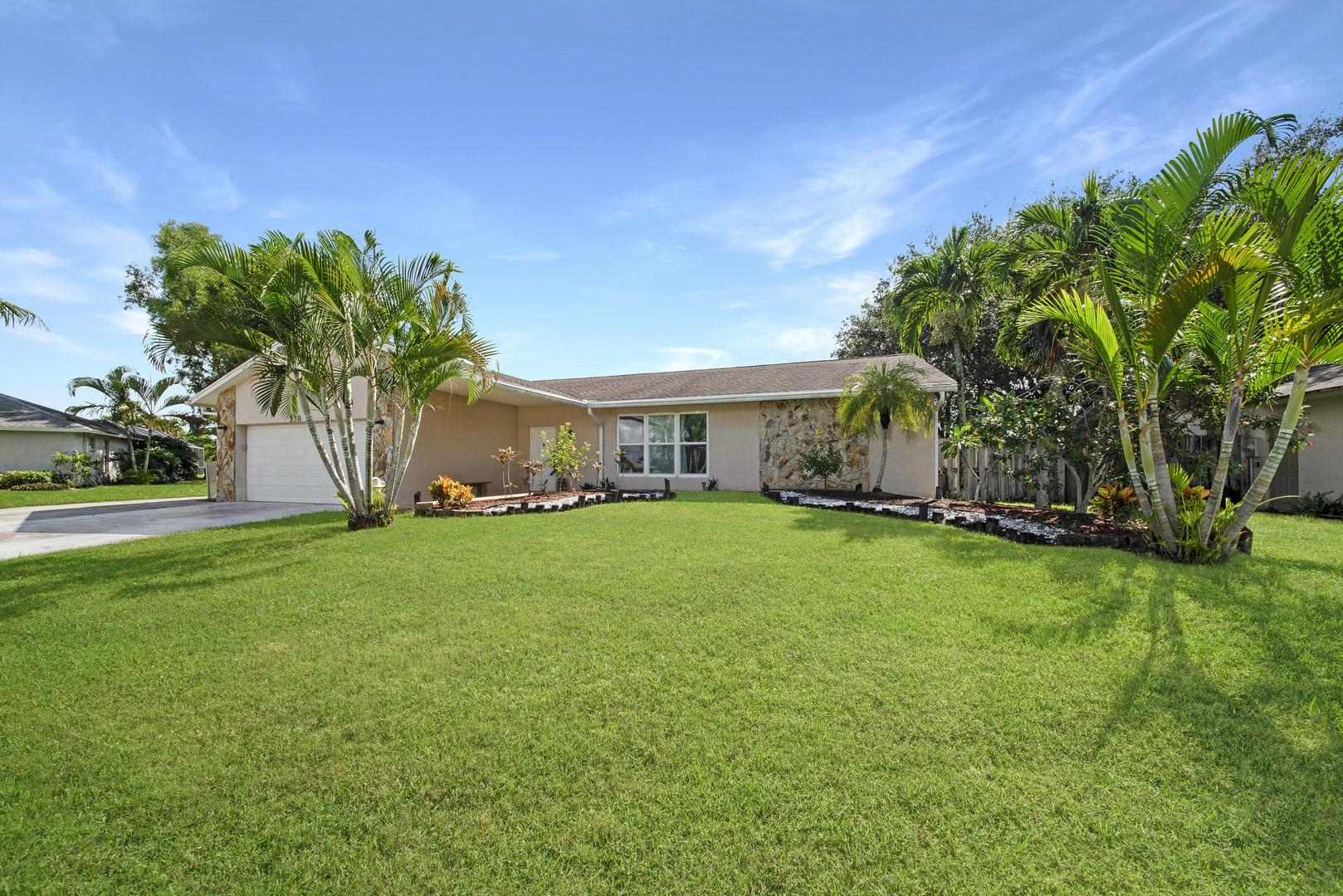 138 Santa Monica Avenue Royal Palm Beach, FL 33411 photo 2