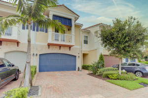 100 NW 69th Circle 134 For Sale 10655060, FL