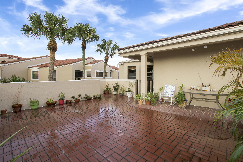 6630 Villa Sonrisa Drive 720 Boca Raton, FL 33433 photo 4