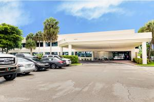 10131  Forest Hill Boulevard 100b For Sale 10655252, FL