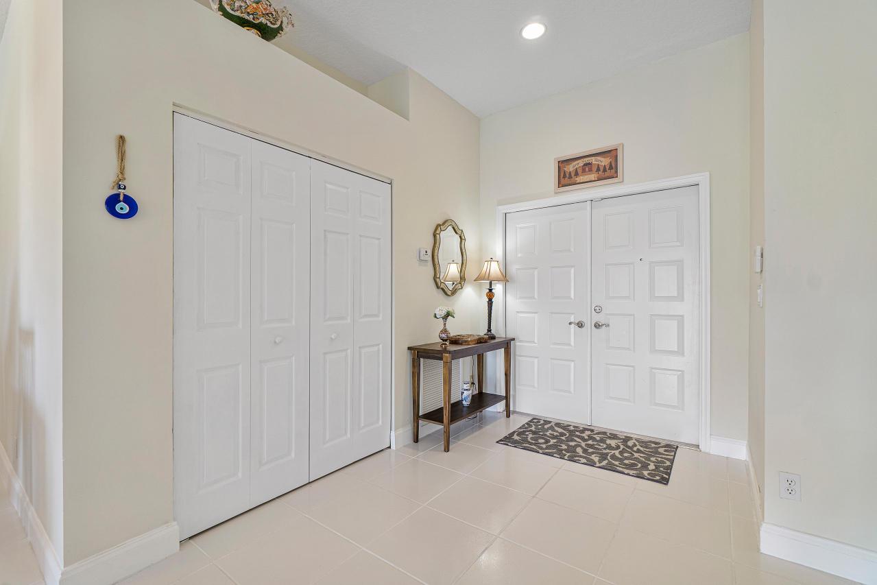 8361 Winter Springs Lane Lake Worth, FL 33467 photo 3