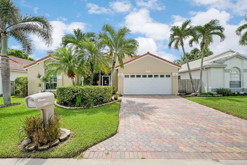 Home for sale in Lakeside Green West Palm Beach Florida