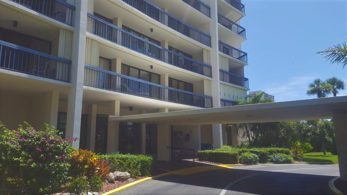 2425 Presidential Way, West Palm Beach, Florida 33401, 2 Bedrooms Bedrooms, ,2 BathroomsBathrooms,Residential,for Rent,Presidential,RX-10655461, , , ,for Rent