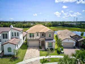 9019  Grand Prix Lane  For Sale 10655507, FL