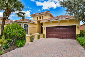 9413  Via Grande   For Sale 10651386, FL