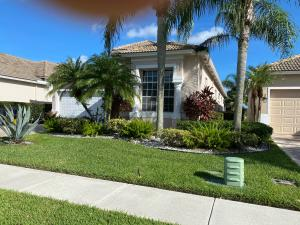 6843  Fairway Lakes Drive  For Sale 10655637, FL