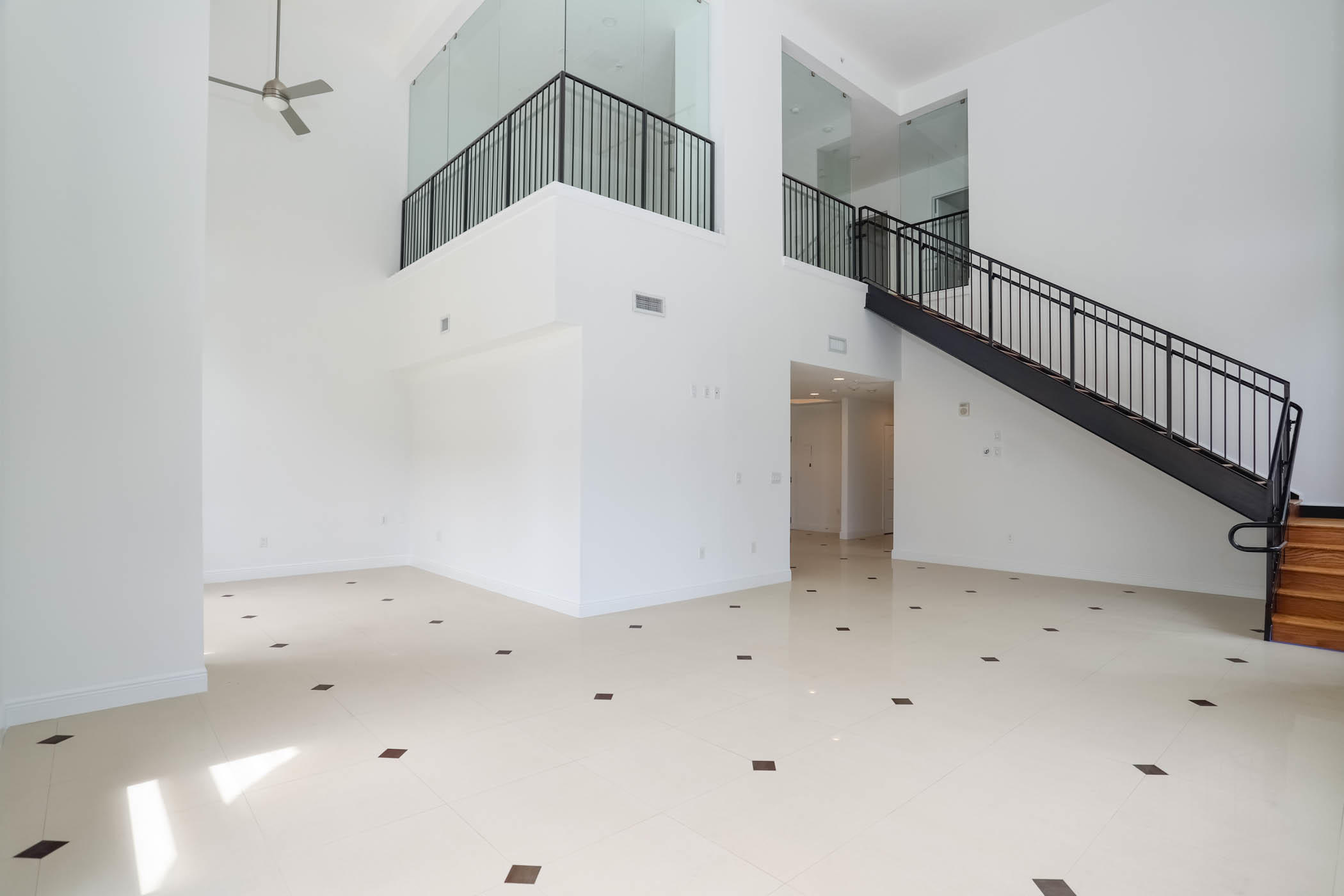 701 Olive Avenue, West Palm Beach, Florida 33401, 2 Bedrooms Bedrooms, ,1 BathroomBathrooms,Residential,for Rent,Olive,RX-10655660, , , ,for Rent