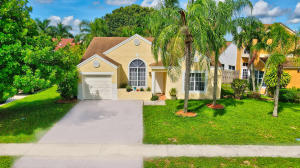 23205  Bentley Place  For Sale 10656135, FL