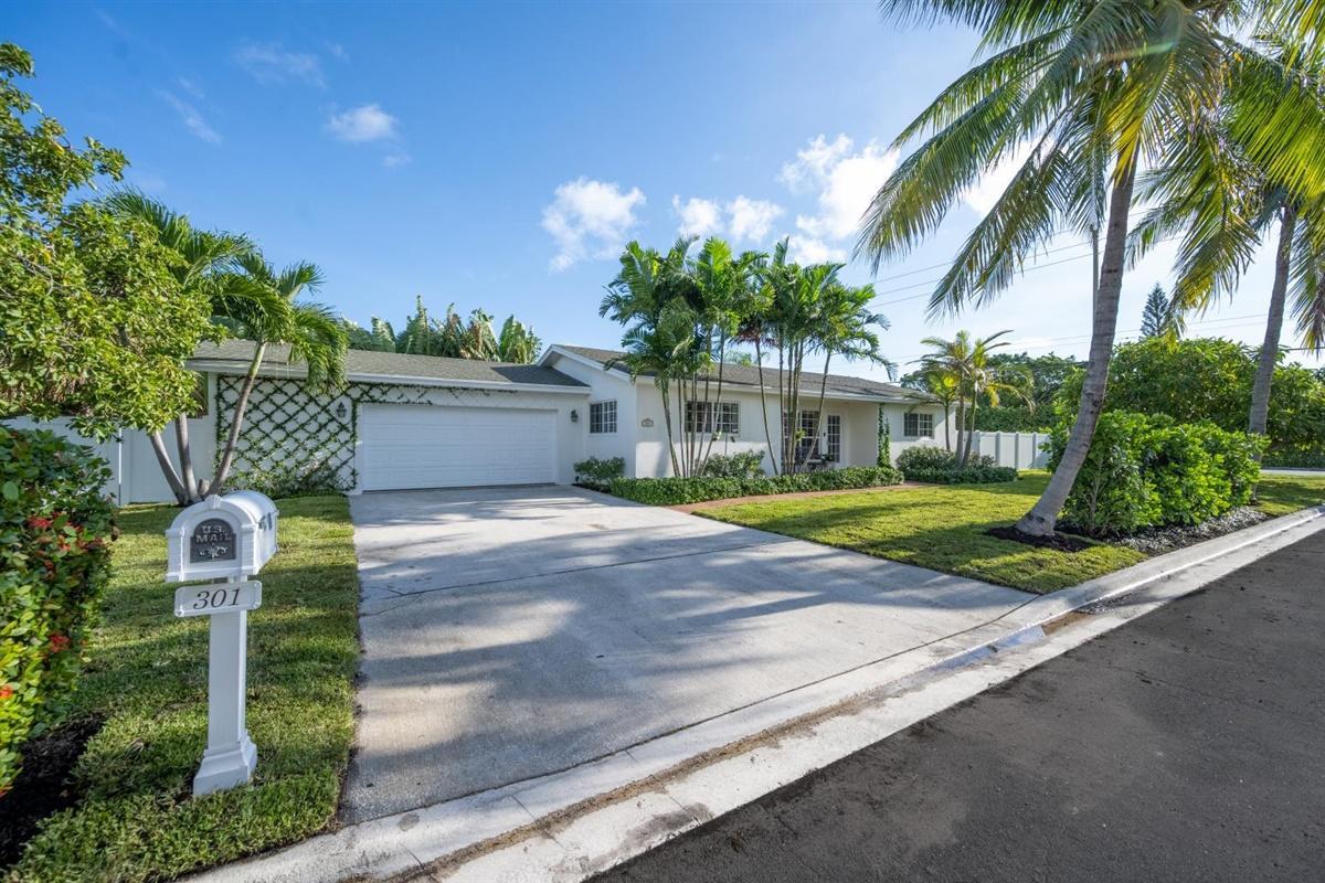 Home for sale in ELLAMAR West Palm Beach Florida