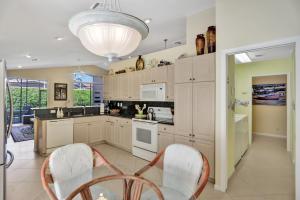 5187  Bayleaf Avenue  For Sale 10655494, FL