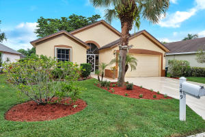 349  Hammocks Trail  For Sale 10656223, FL