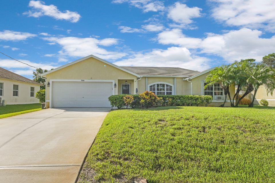 768 SW Arkansas Terrace Port Saint Lucie, FL 34953 photo 1