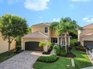 8904  Maple Hill Court  For Sale 10656440, FL