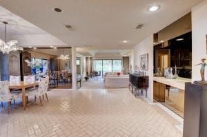 6  Estate Drive  For Sale 10656689, FL