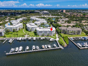 642  Bay Colony Drive  For Sale 10656558, FL