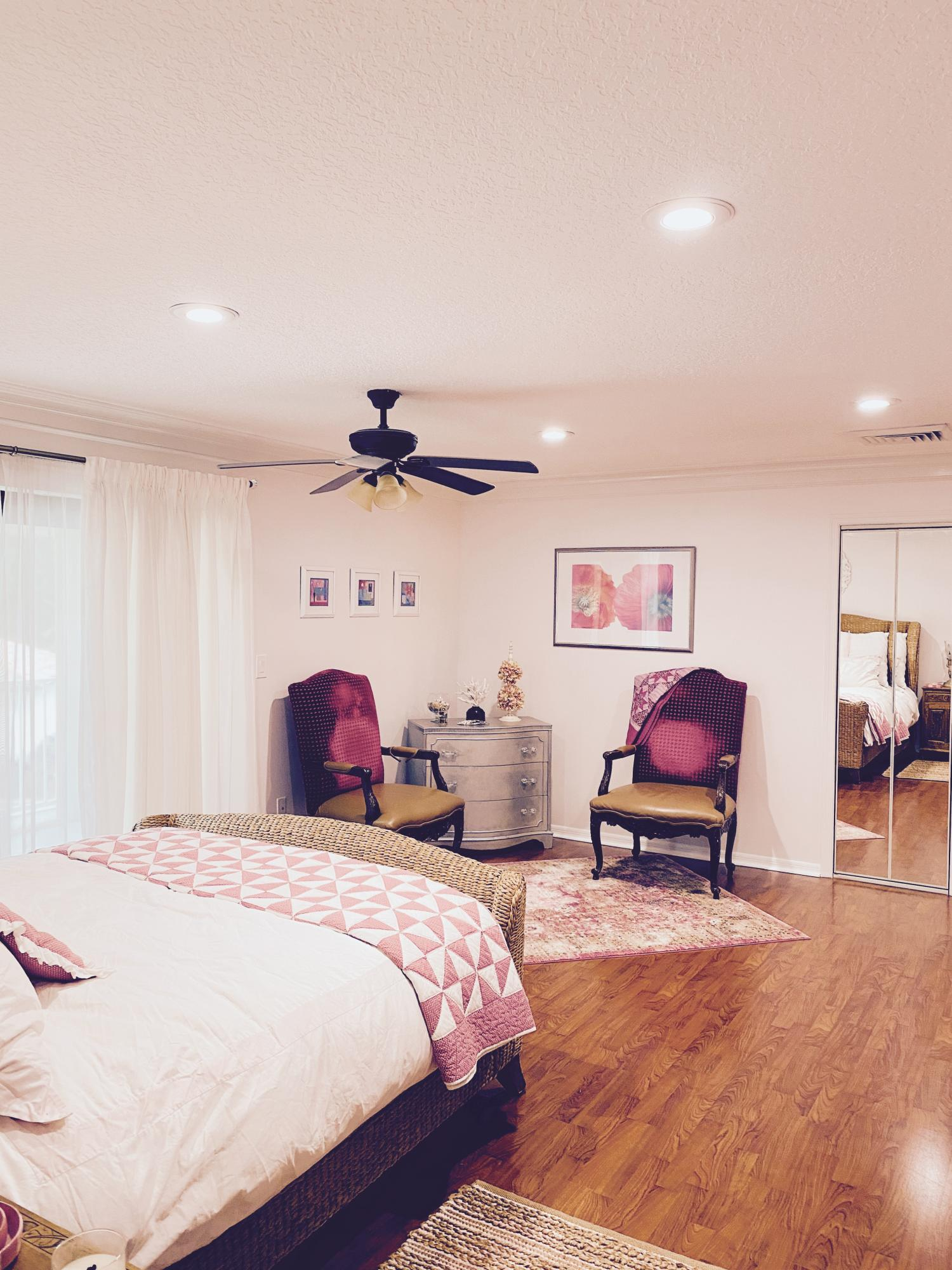 BEDROOM#4 WITH 2 WALKIN CLOSETS