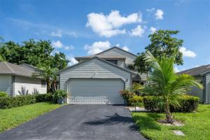 2496  Bedford Mews Drive  For Sale 10656561, FL