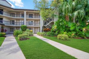 5380  Cedar Lake Drive 106 For Sale 10657195, FL
