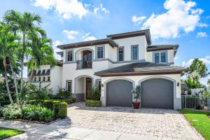 724 NE 36th Street  For Sale 10657321, FL