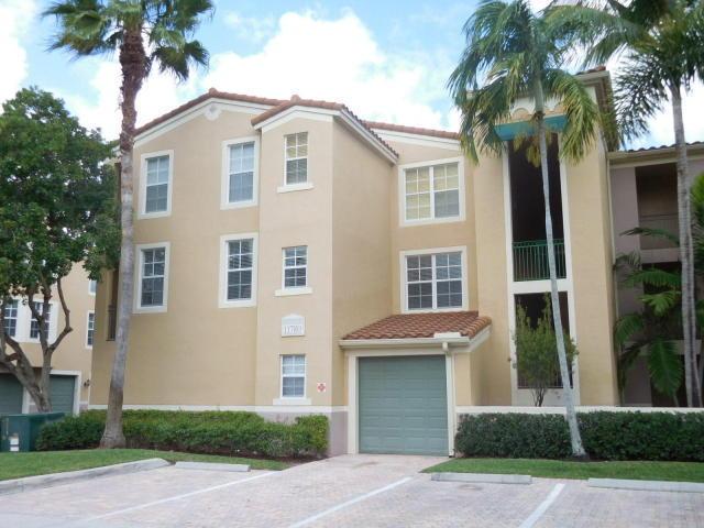 11780 Saint Andrews Place 201 Wellington, FL 33414