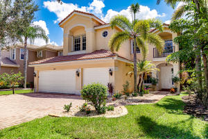 8864  Maple Hill Court  For Sale 10657335, FL