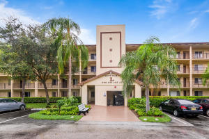 900 SW 142nd Avenue 204l For Sale 10657872, FL
