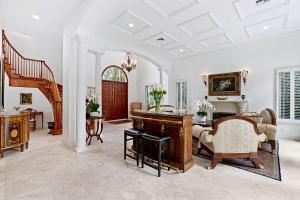 255  Seminole Avenue  For Sale 10657928, FL