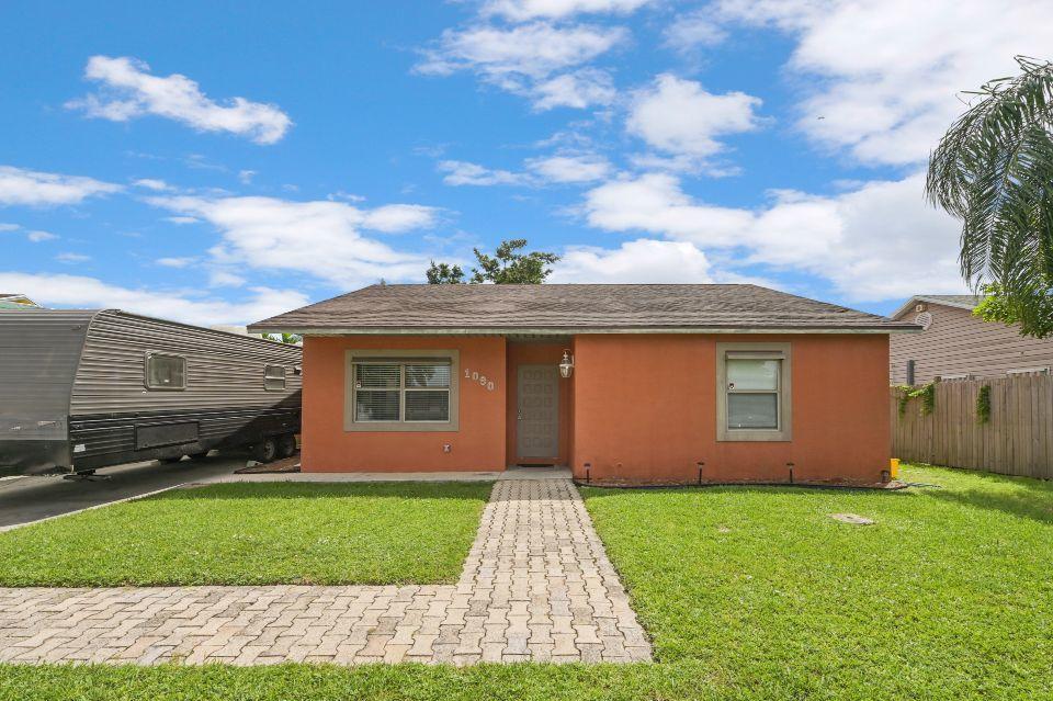 1090 Grand Duke Way Royal Palm Beach, FL 33411 photo 1
