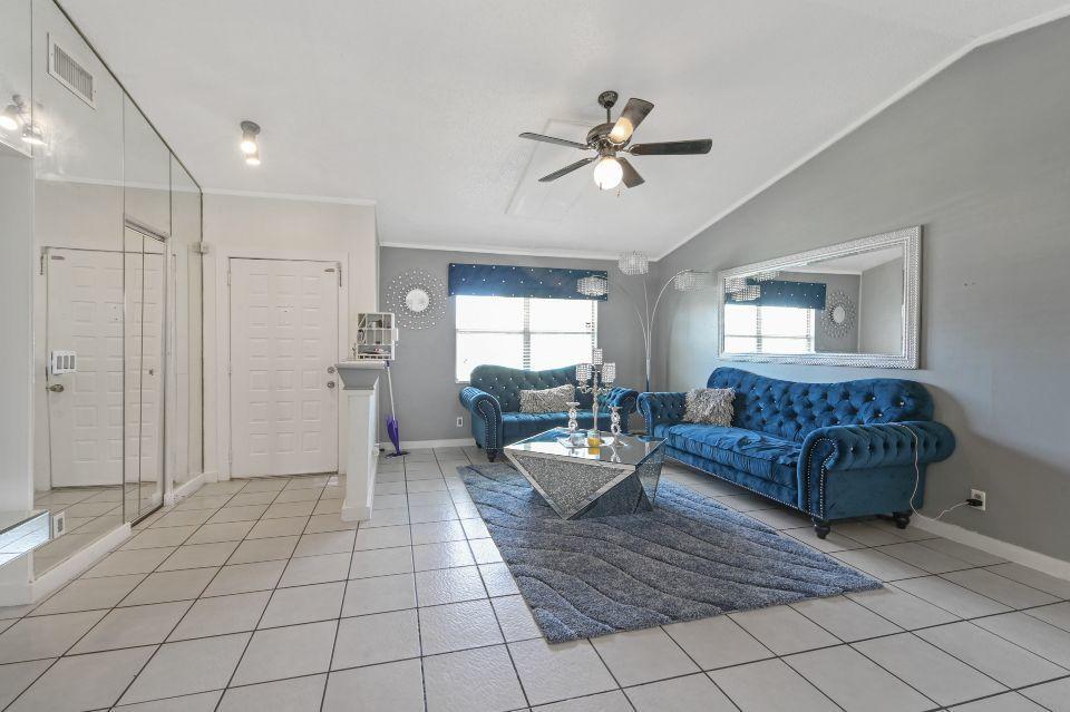 1090 Grand Duke Way Royal Palm Beach, FL 33411 photo 4