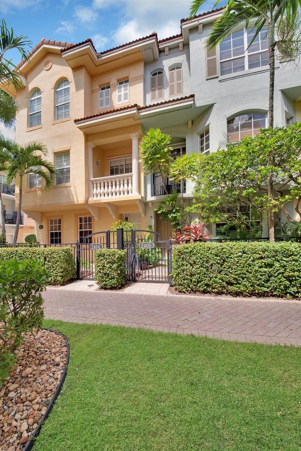 2404 San Pietro Circle  Palm Beach Gardens, FL 33410