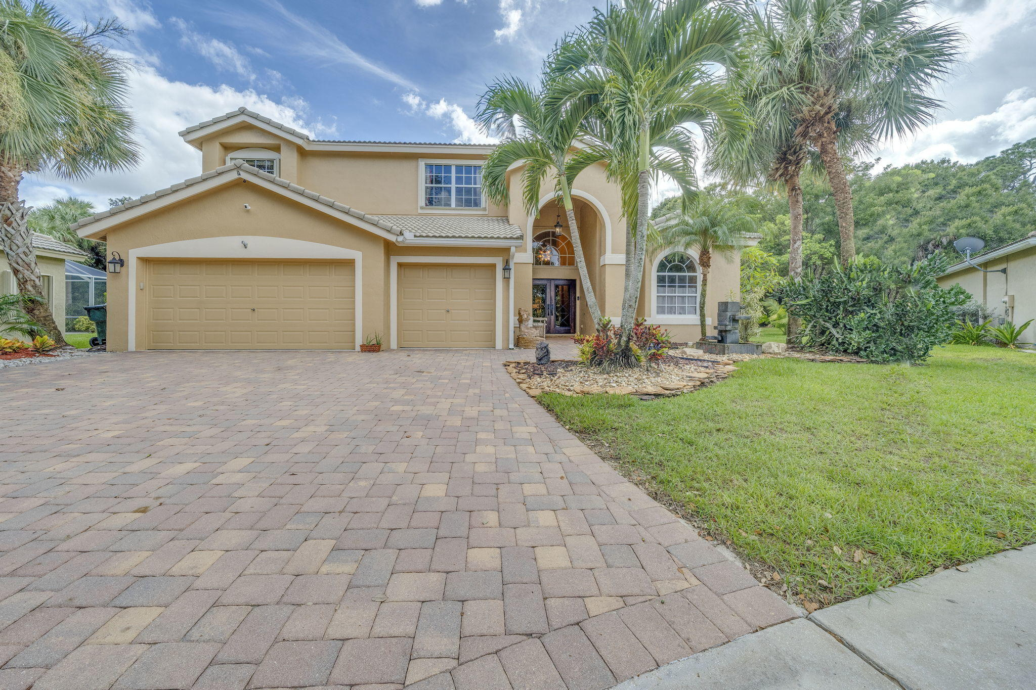 15361 Whispering Willow Drive  Wellington, FL 33414