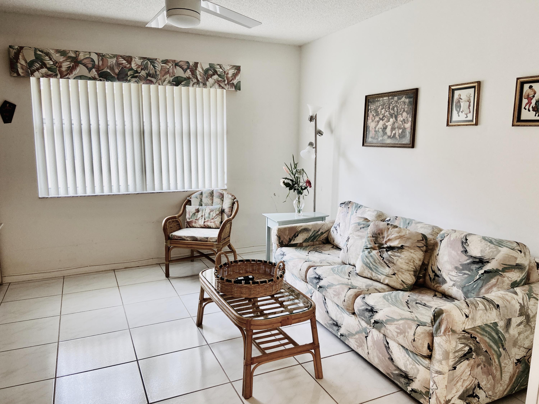 7172 Summer Tree Drive Boynton Beach, FL 33437 photo 14