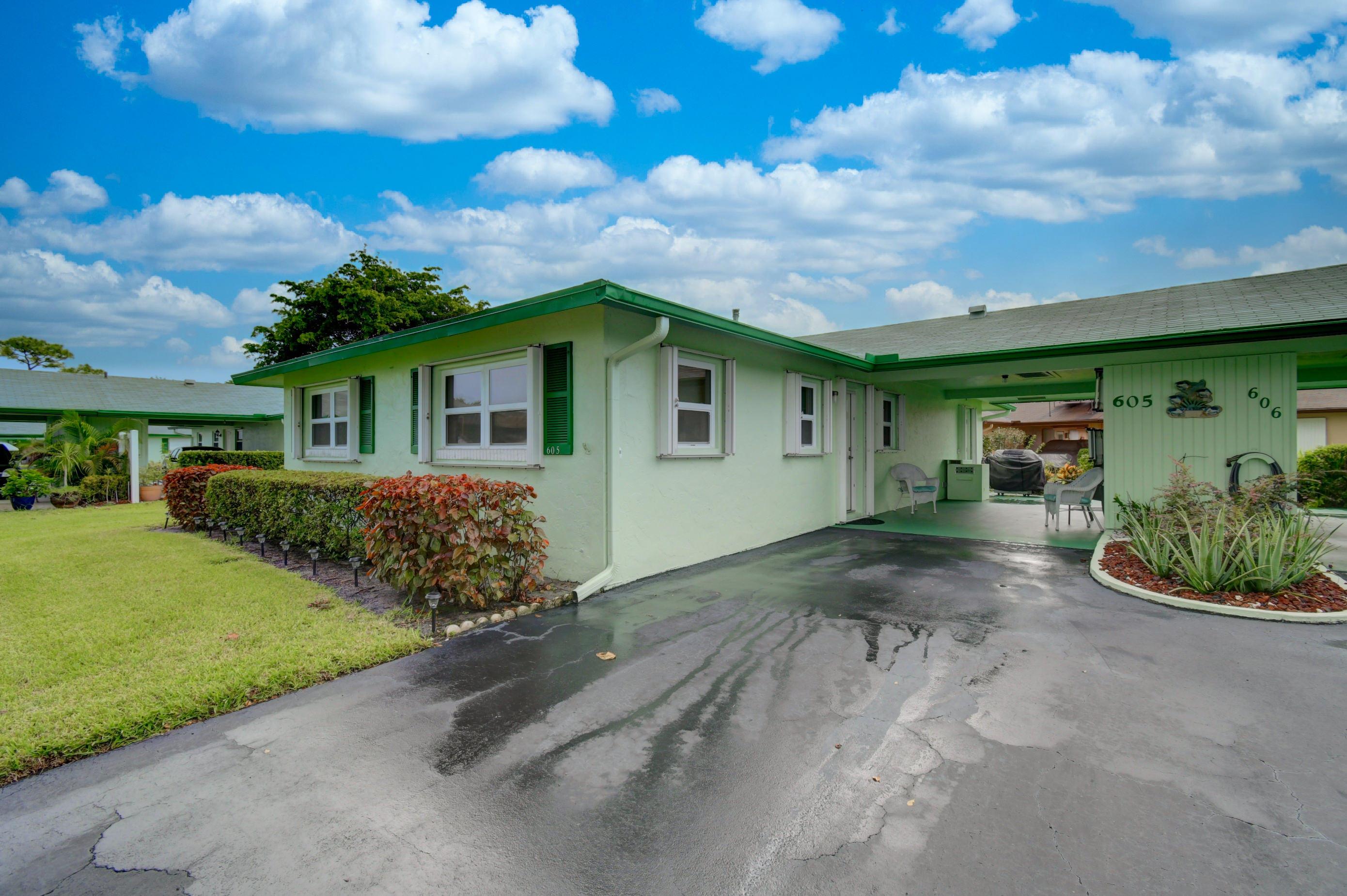 605 Hummingbird Lane  Delray Beach, FL 33445
