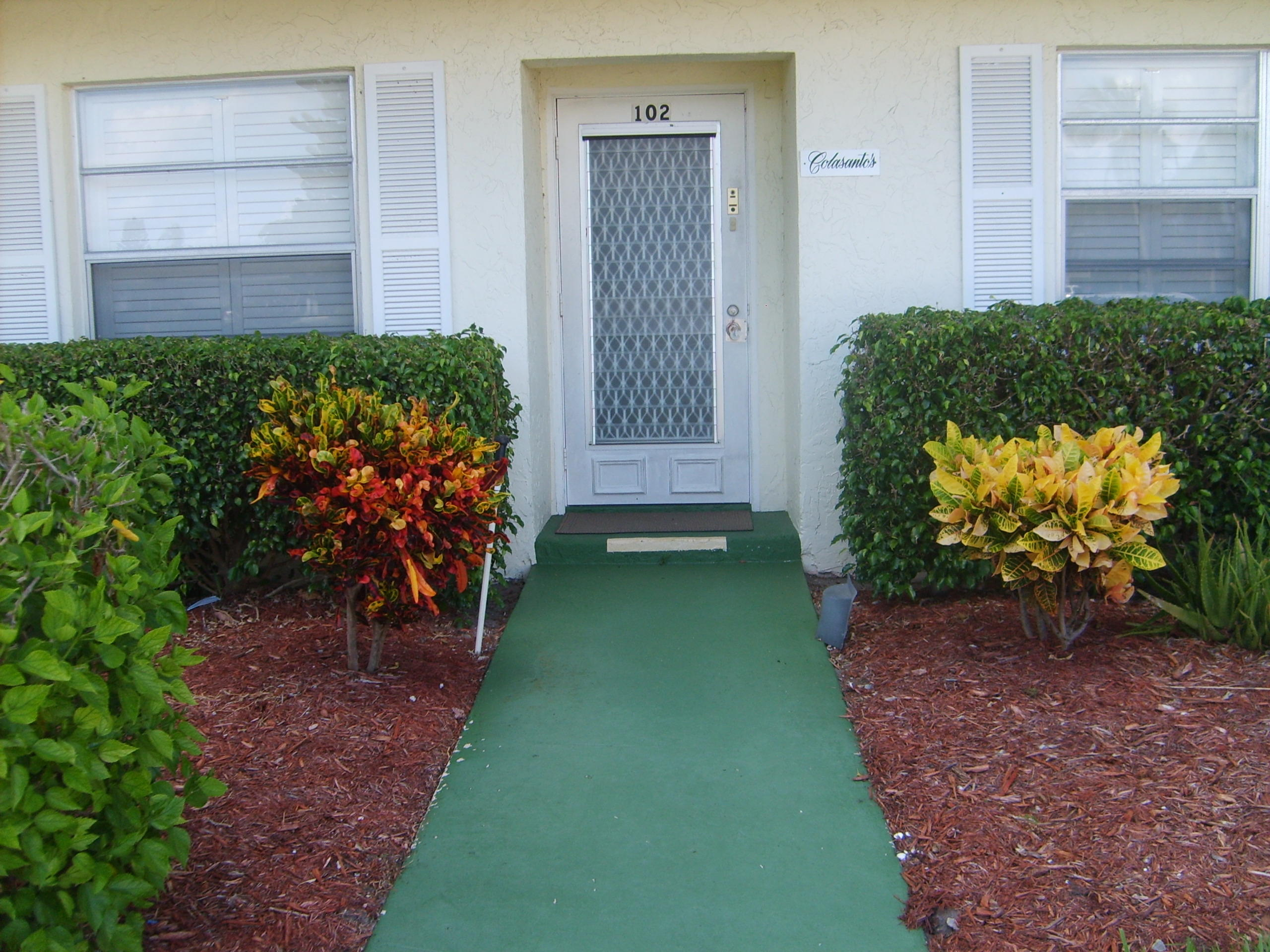 2815 SW 13 Street 102  Delray Beach, FL 33445