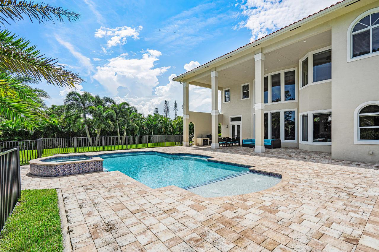8622 Nashua Drive Palm Beach Gardens, FL 33418 photo 2