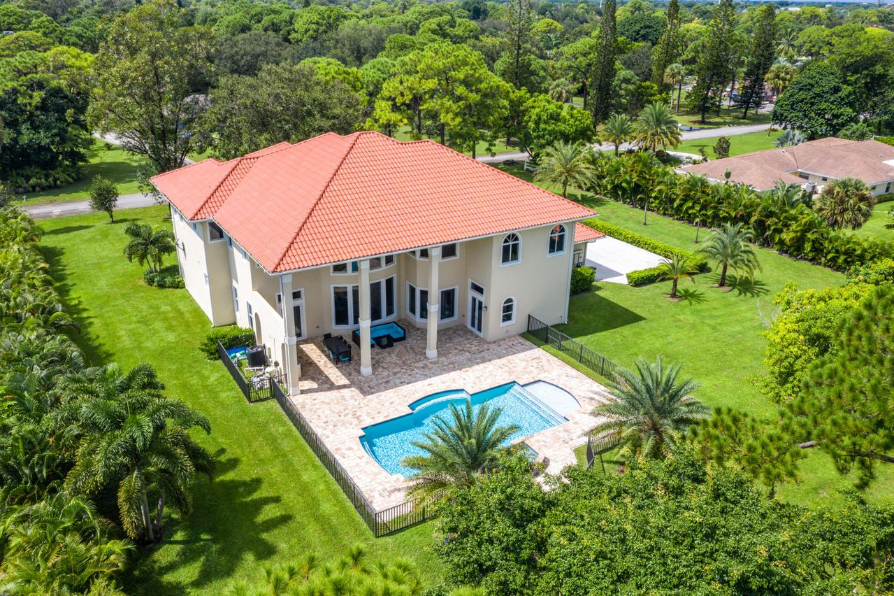 8622 Nashua Drive Palm Beach Gardens, FL 33418