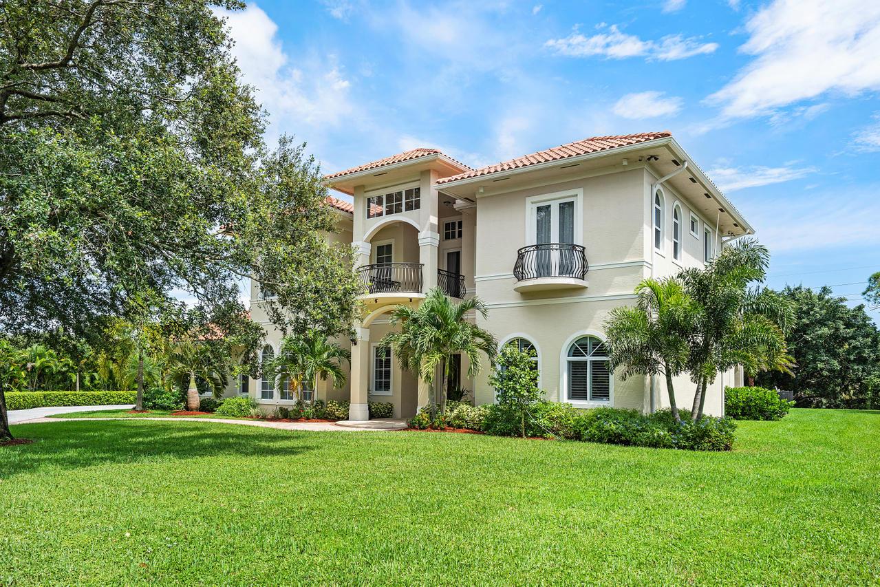 8622 Nashua Drive Palm Beach Gardens, FL 33418 photo 3